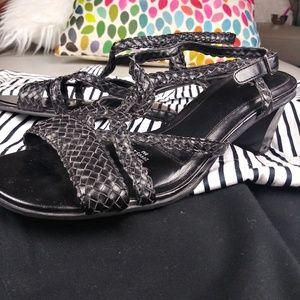 Life stride sandals!! 👡
